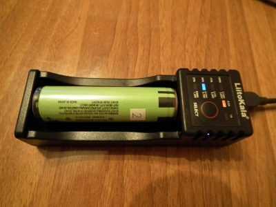 LiitoKala Lii-100 с аккумулятором 18650 с защитой