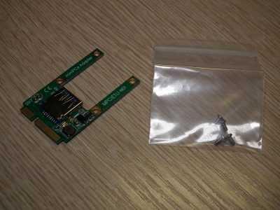 Карта расширения mini PCI-E с разъёмом USB и крепёжные винты